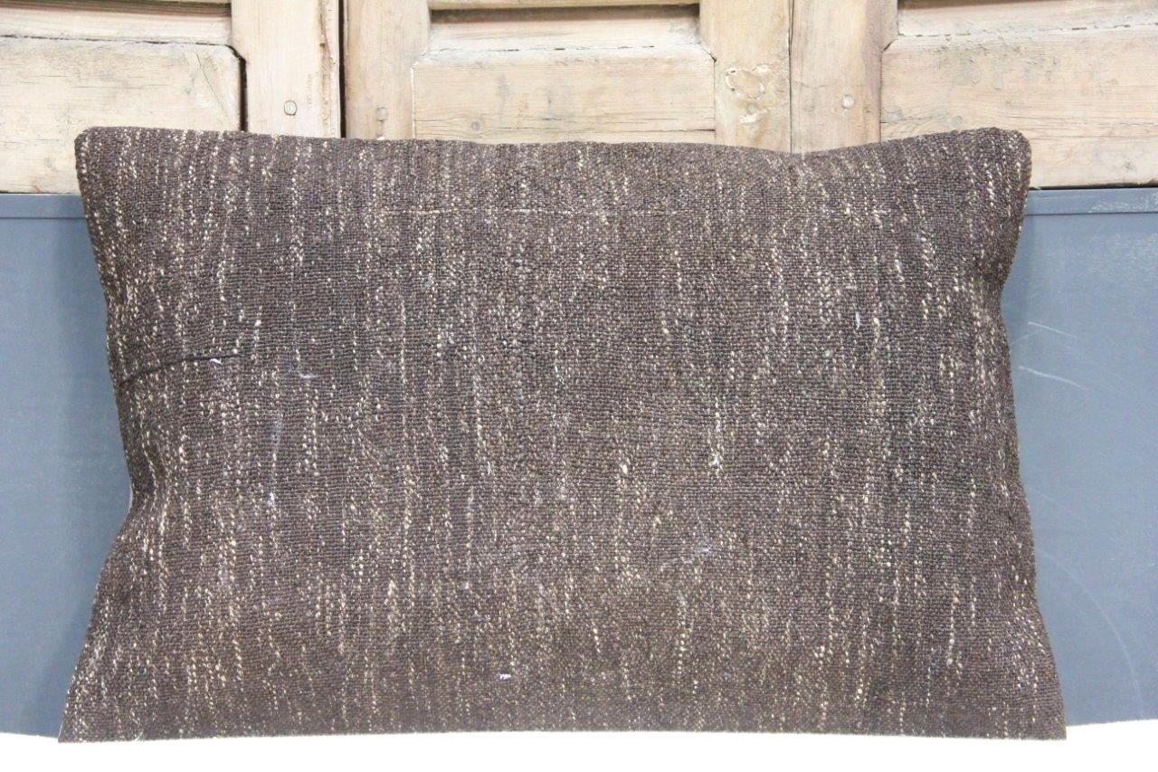 Kussen uit Turkije  60cm x 40cm incl binnenkussen katoenen achterkant (beige) Nr 48030