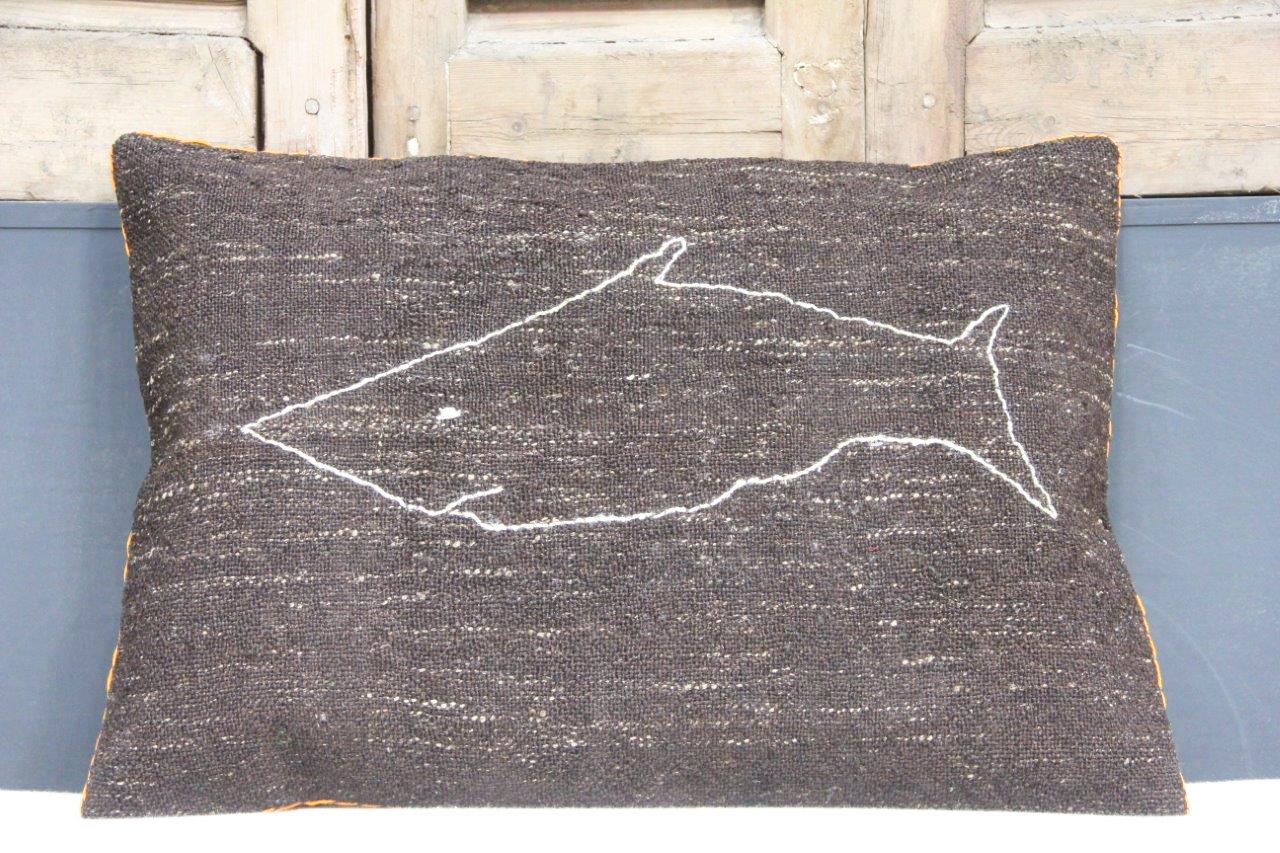 Kussen uit Turkije  60cm x 40cm incl binnenkussen katoenen achterkant (beige) Nr 48038