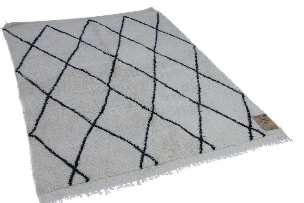Beni ouarain hoogpolig vloerkleed uit Marokko 17498 200cm x 147cm