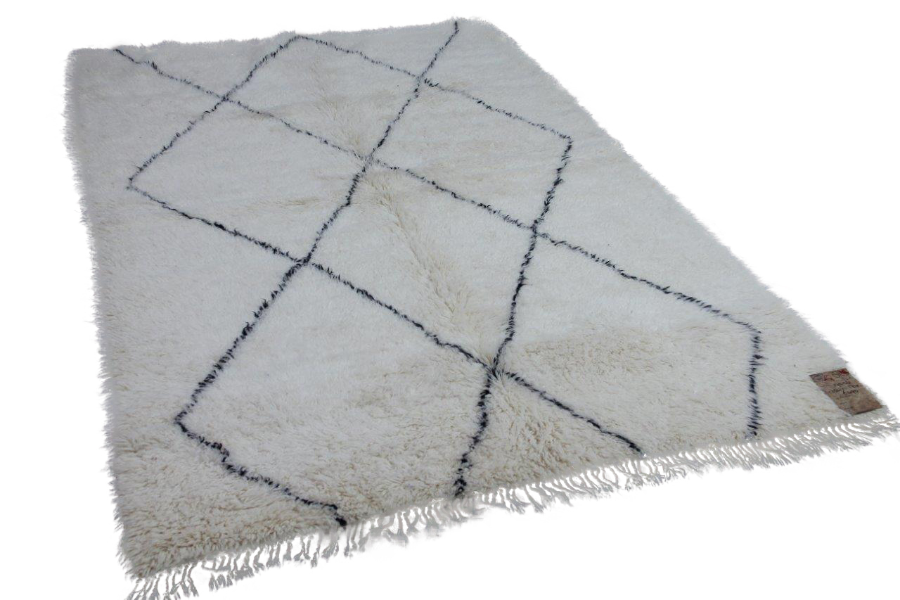 Beni ouarain hoogpolig vloerkleed uit Marokko 17538 254cm x 174cm
